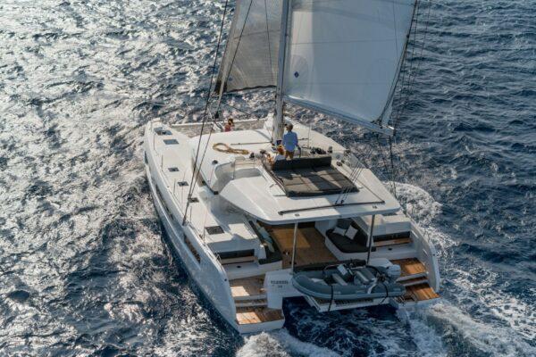 cata-lagoon-50-navigation-3